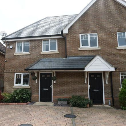 Rent this 3 bed house on 9 Heather Hill Close in Sindlesham RG6 7EF, United Kingdom