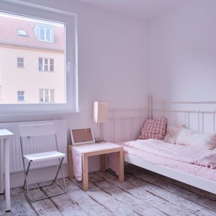 Rent this 2 bed apartment on Andréezeile 13 in 14165 Berlin, Germany