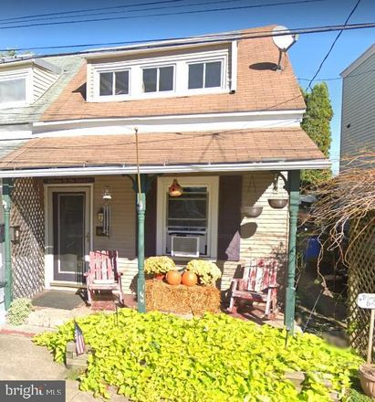 Rent this 2 bed townhouse on 562 North Union Street in Middletown, PA 17057