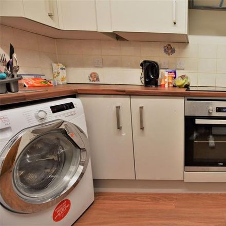 Rent this 5 bed apartment on Matthews Accomodation in Brudenell Road, Leeds LS6 1HA