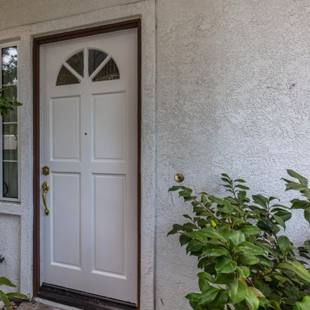 Rent this 3 bed townhouse on 269 Camino Toluca in Camarillo, CA 93010
