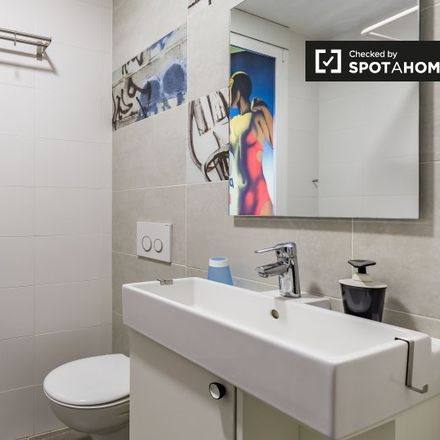 Rent this 2 bed apartment on GALP in Carrer de la Serradora, 14