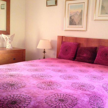 Rent this 1 bed apartment on Centro Comunitário - Loja Social in Rua do Juncal, 2825-359 Costa da Caparica