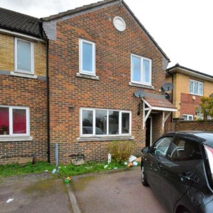 Rent this 3 bed house on Lower Edmonton in 41 Hudson Way, London N9 0GS