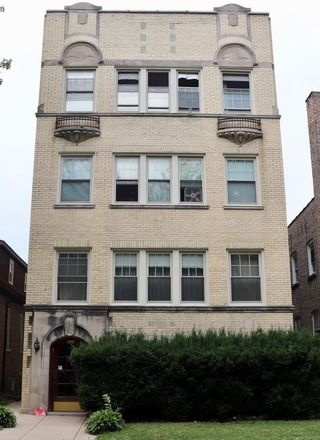 Rent this 3 bed duplex on 6218 North Talman Avenue in Chicago, IL 60645