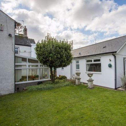 Rent this 5 bed house on St Cadoc in Coldbrook Road West, Barry CF63 1LF