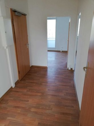 Rent this 4 bed apartment on Malvenweg 12 in 06122 Halle (Saale), Germany