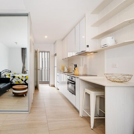 Rent this 1 bed room on 114 Curlewis Street