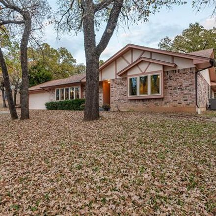 Rent this 3 bed house on 314 Woodard Lane in Azle, TX 76020