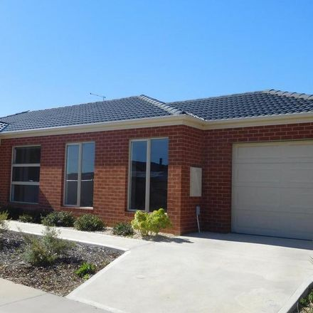 Rent this 3 bed townhouse on 1/350 Midland Highway