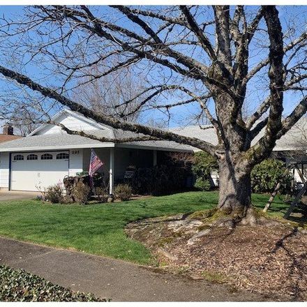 Rent this 3 bed house on 895 Northeast 22nd Court in Gresham, OR 97030