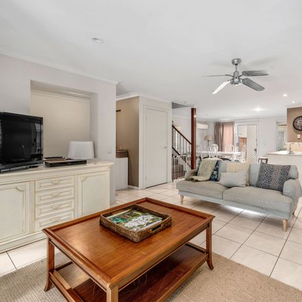 Rent this 3 bed townhouse on 72/80 Mcintyre Street