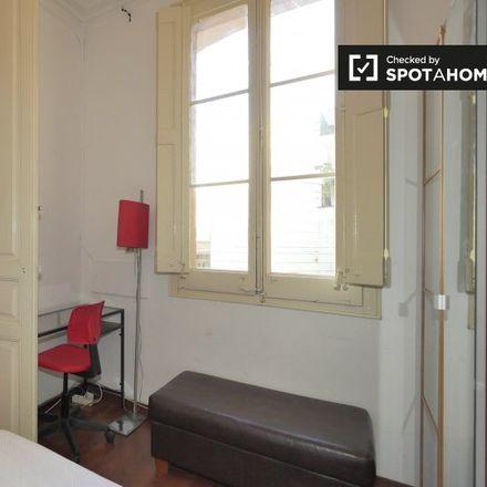 Rent this 5 bed apartment on jardí interior in Carrer de Montalegre, 08001 Barcelona