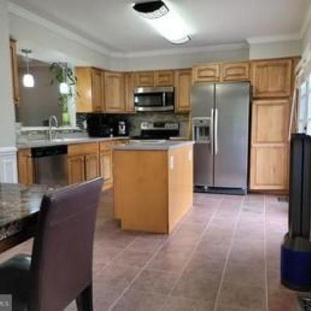 Rent this 4 bed condo on 14687 Cheverly Court in Centreville, VA 20120