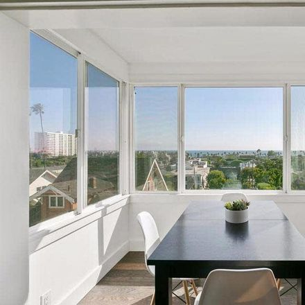 Rent this 1 bed condo on 2500 4th St in Santa Monica, CA 90405