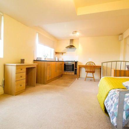 Rent this 1 bed apartment on Grosvenor Road in Kirklees HD5 9JB, United Kingdom
