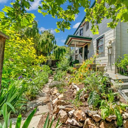Rent this 2 bed duplex on 1117 16th Street in Oakland, CA 94626