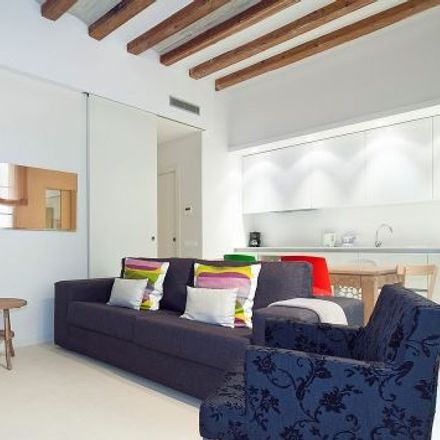 Rent this 4 bed apartment on Sense titol. Quatre Falques in Pla de Palau, CP 08003 Barcelona