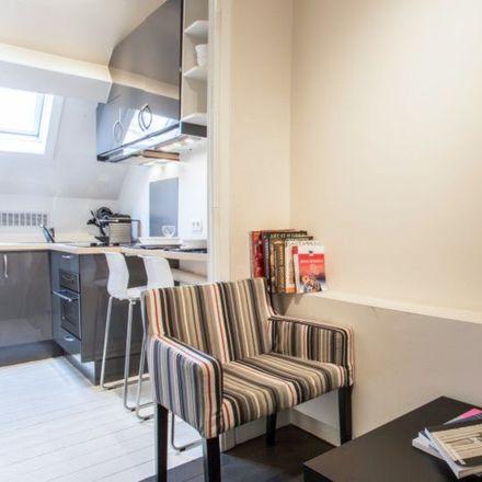 Rent this 1 bed apartment on Écoles communales de Tenbosch in Rue de l'Aqueduc - Waterleidingsstraat, 1050 Ixelles - Elsene