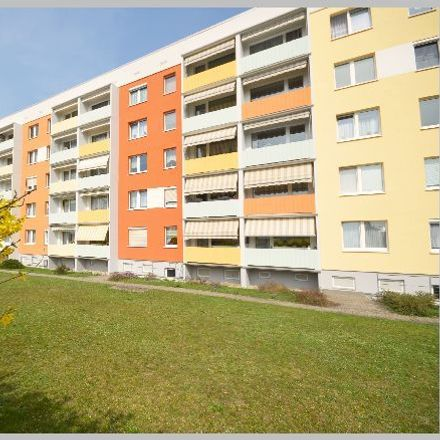 Rent this 2 bed apartment on Karl-Liebknecht-Ring 10 in 01612 Nünchritz, Germany