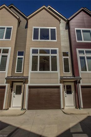 Rent this 2 bed condo on 1573 East 118th Street in Cleveland, OH 44106