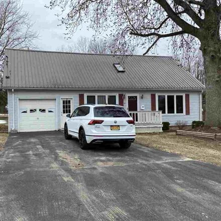 Rent this 3 bed house on 6 Lawrence Street in Massena, NY 13662