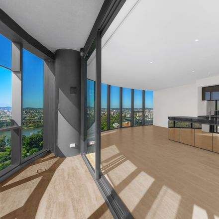 Rent this 3 bed apartment on 802/140 Alice Street