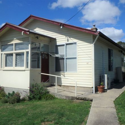 Rent this 3 bed house on 41 New Street