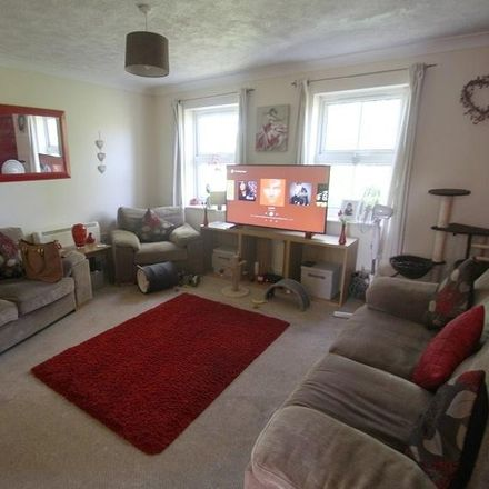 Rent this 2 bed apartment on Eastleigh SO31 4BH