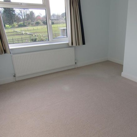 Rent this 3 bed house on Walsham Drive in Doncaster DN5 8JX, United Kingdom