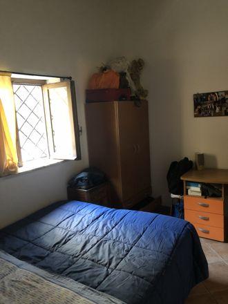 Rent this 3 bed room on Via Porta di Castro in 73, 90134 Palermo PA