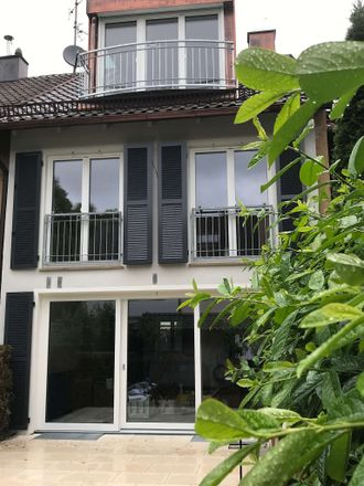 Rent this 5 bed townhouse on Munich in Villenkolonie Neuwittelsbach, BAVARIA