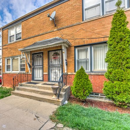 Rent this 2 bed townhouse on 1018 Bellwood Avenue in Bellwood, IL 60104