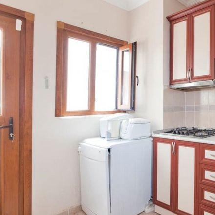 Rent this 2 bed room on ياسر السوري in Hacı Mansur Sokağı, 34363 Şişli