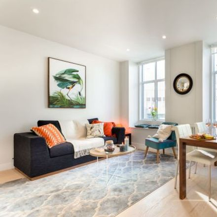 Rent this 2 bed apartment on Crispin's Food and Wine in 15 Kensington High Street, London W8 5EQ