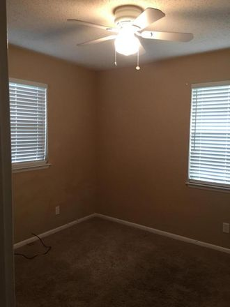 Rent this 3 bed house on Reed Pl NW in Fort Walton Beach, FL