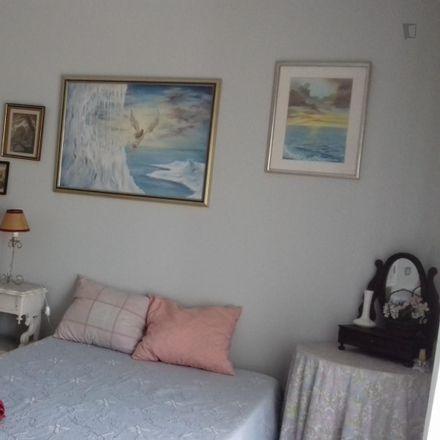 Rent this 3 bed room on Estrada da Alapraia in 2765-085 São João do Estoril, Portugal