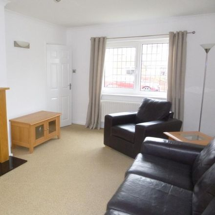Rent this 3 bed house on Kingfisher Road in North Tyneside NE12 8NY, United Kingdom