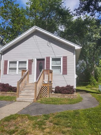 Rent this 2 bed house on 97 Wellington Avenue in Albany, NY 12203