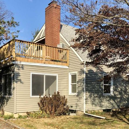 Rent this 2 bed house on 4 Manor Place in Glen Cove, NY 11542