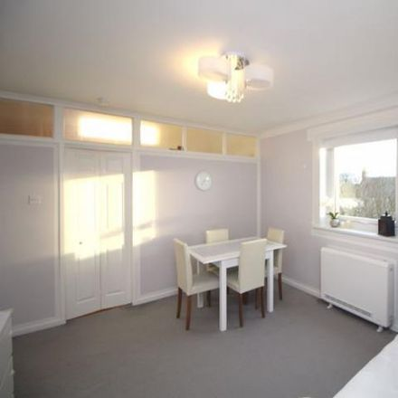 Rent this 2 bed apartment on The Path Tavern in Mid Street, Kirkcaldy KY1 2PF