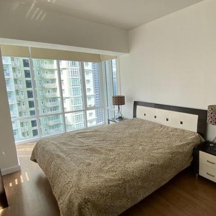 Rent this 3 bed condo on The Red Oak in McKinley Parkway, Taguig