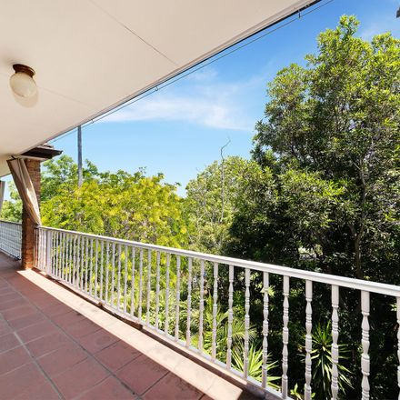 Rent this 2 bed apartment on 12/15 Wharf Road