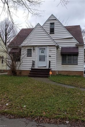 Rent this 3 bed house on 15811 Cloverside Avenue in Cleveland, OH 44128
