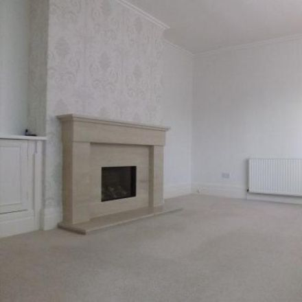 Rent this 3 bed house on Hillfoots Road in Tillicoultry FK13 6PD, United Kingdom