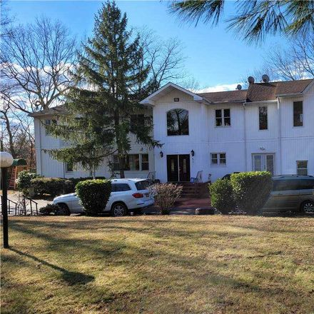 Rent this 5 bed house on Deer Park Rd in Huntington Station, NY