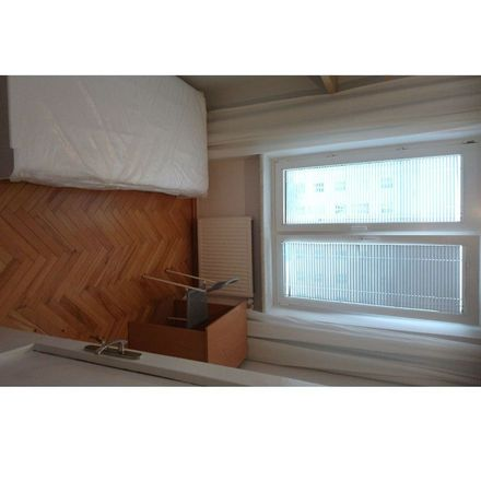 Rent this 3 bed room on Aleja Niepodległości 76/78 in 02-626 Warsaw, Poland