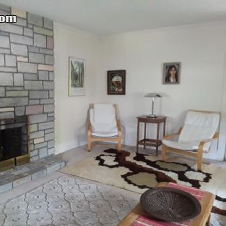 Rent this 3 bed apartment on 120;122 Oxford Road in Newton, MA 02459
