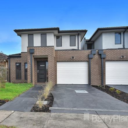Rent this 3 bed townhouse on 2/49 Bevan Avenue