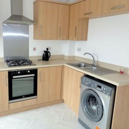 Rent this 3 bed house on Clos Cae Ffynnon in North Cornelly CF33 4HX, United Kingdom